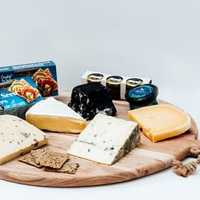 The Artisan Hub Best of New Zealand Cheese Box - Grande