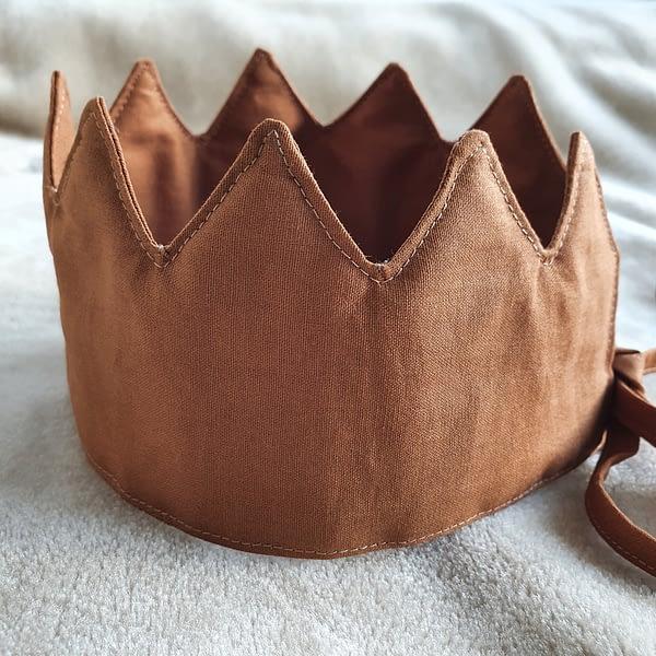 Fabric Crown Cinnamon (side)